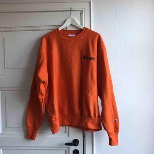 Clean oreange hoodie från Champion helt oanvänd