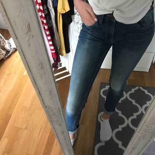 Väldigt fina oanvända Jeans från lager 157.Frakt 50kr💞💞TAR SWISH