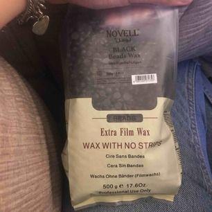 Säljer 3x 500 wax som är köpt från Dubai. Väldigt bra och lätt att andvända men gillar nt wax personligen. De Finns även  insteruktioner på sidan. Säker två kort svarta och en gul (Pris utan frakt)