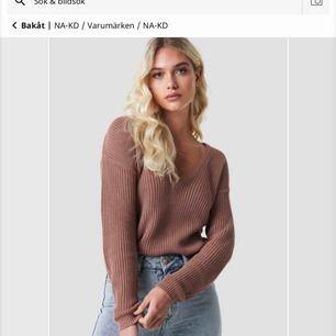 Snygg stickad tröja perfekt till höst och vinter! Fraktar endast, 50 kr.