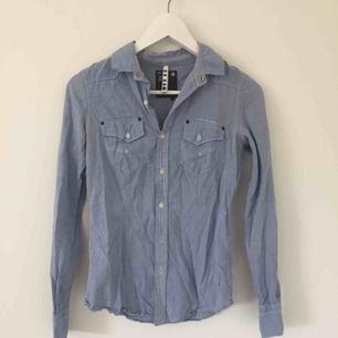G-star skjorta som är i fint skick och ej använd på några år.  Kan mötas i Sthlm!