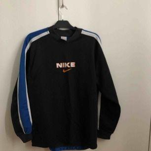 Vintage Nike tröja från 90 talet köpt på second hand!
