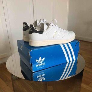 Helt nya, oanvända stan Smith sneakers från Adidas. Självklart äkta vara
