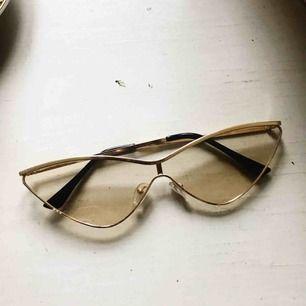 Orginella glasögon 💜    Very y2k