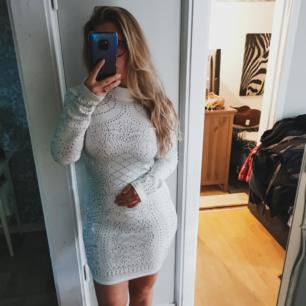 Säljer denna otroligt snygga klänning då jag har en extra av den. 💃Aldrig använd!