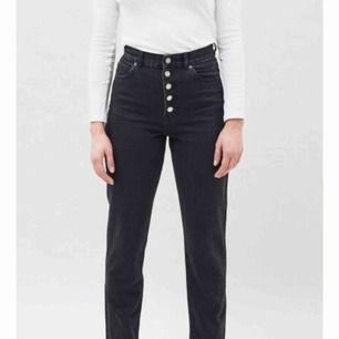 En äldre model av dess jeans utan knapparna från Dr denim! Köpta från någon här på men för små för mig! Pris kan diskuteras