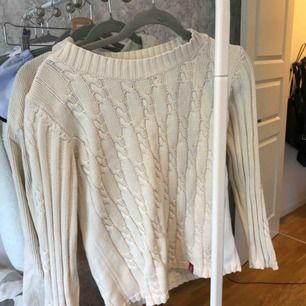 Kabelstickad tröja från holebrook sweden, nypris 2000kr