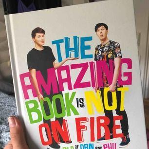 Dan and Phils bok! Frakt på 63kr tillkommer.