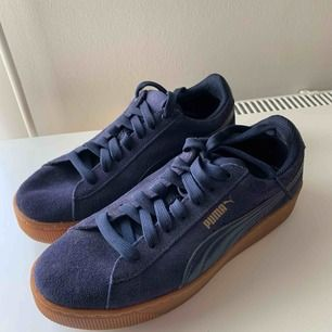 Puma sneakers, worn once. Blue colour. Size 39