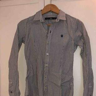 Skjorta från G-star i väldigt fint skick. Säljer pga att det inte är min stil längre.