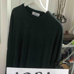 Säljer min stone island tröja. Storlek large 7/10 Clg code finns så den är 100% äkta