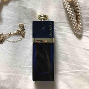 Asnaaajs parfym från Christian Dior! Mer än halva kvar. Doftar sött och gott