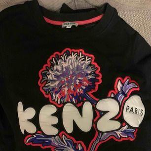 Kenzo dandelion i storlek M. Knappt använd i fint skick!  Självklart äkta