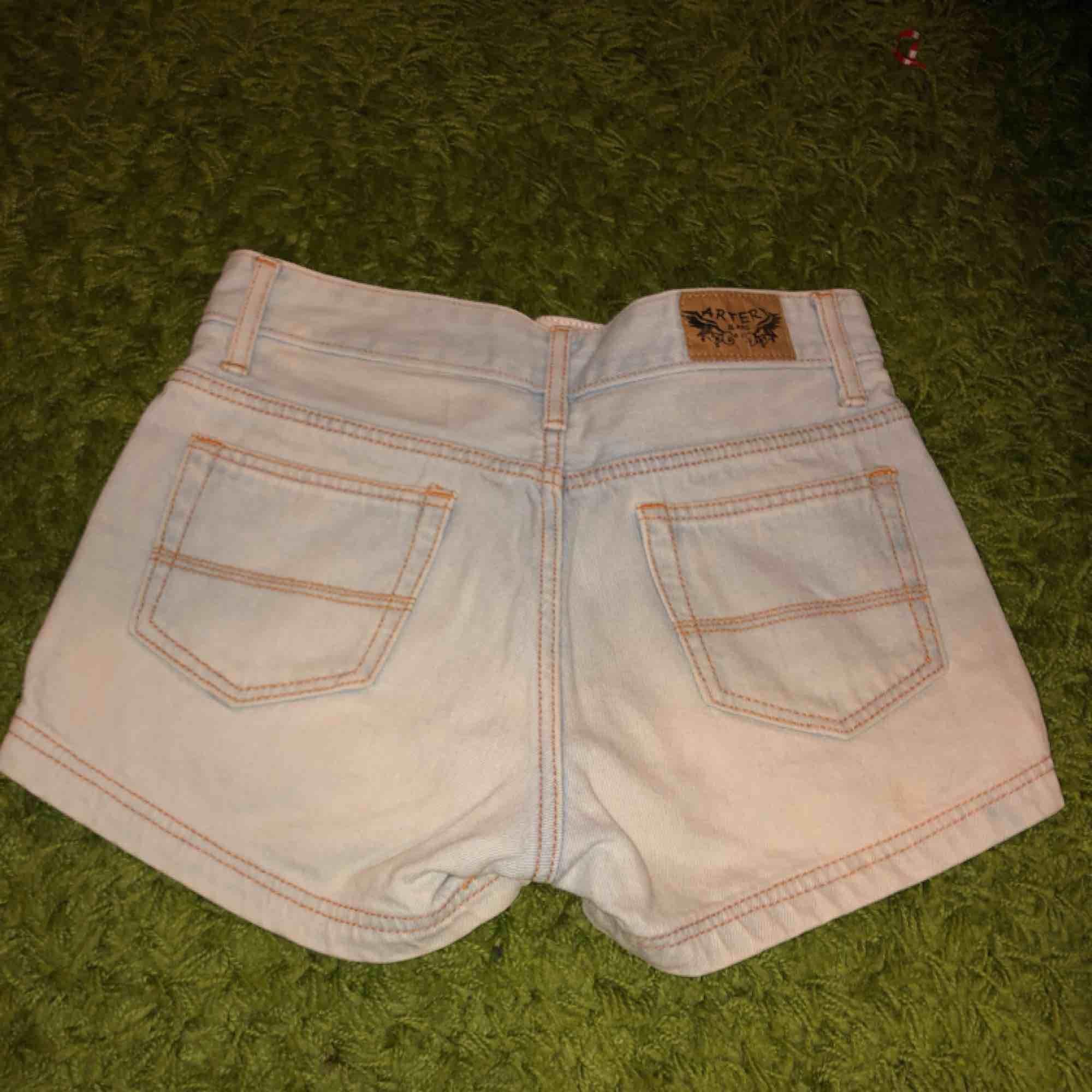 🌸frakt för 40kr 🌸tar swhish  🌸högmidjade shorts . Shorts.