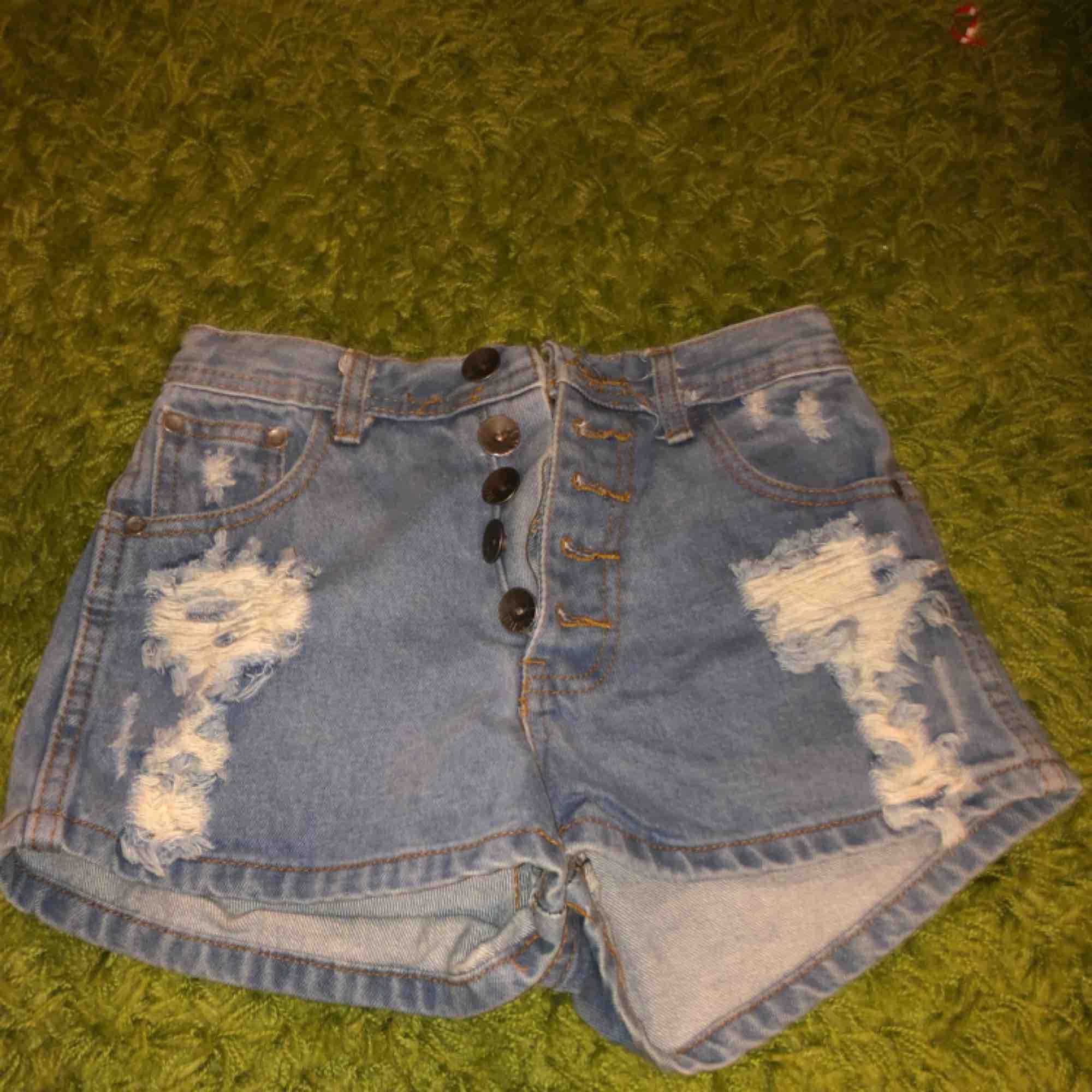 🌸 frakt för 40kr 🌸 tar emot Swish! 🌸 highwaisted shorts . Shorts.