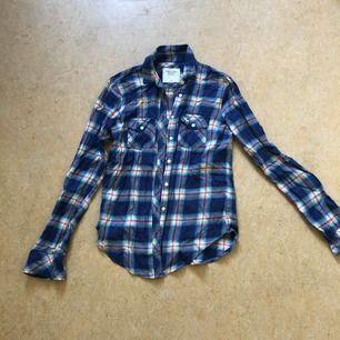 Abercrombie & Fitch skjorta, knappt använd, strl XS