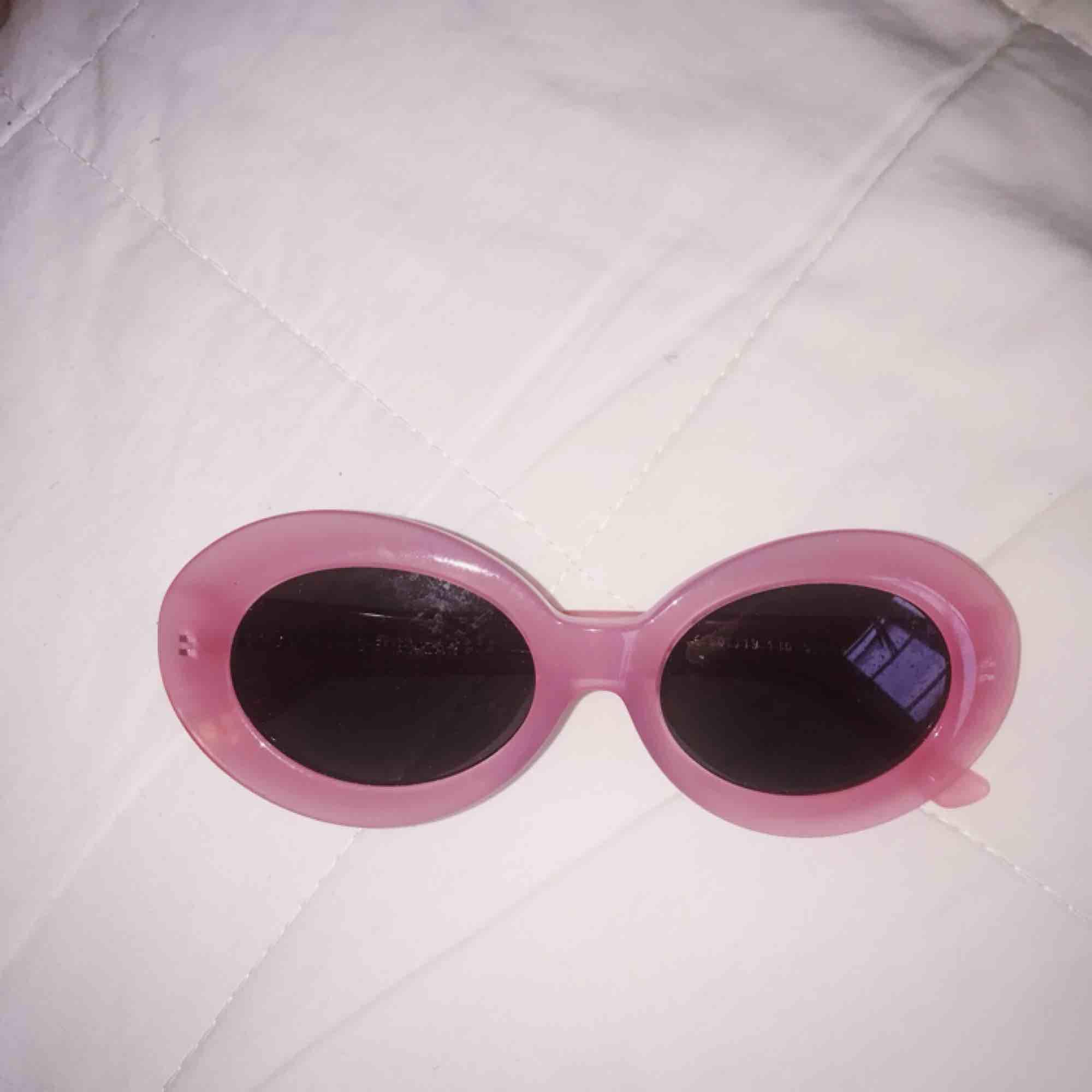 💕 Rosa solglasögon 💕. Accessoarer.