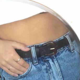Suuper snyggt bälte som tyvörr inte kommer till användning längre :( Postar gärna :)