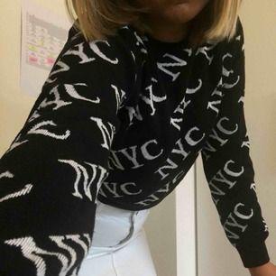 Jättesnygg och modern sweatshirt från newlook, köptes förra året