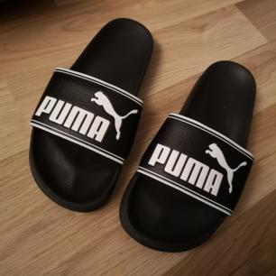 Puma tofflor i gummi! Använda kanske 5 gånger så i nyskick! 🌼