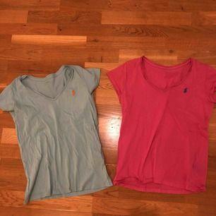 Två stycken Ralph lauren t-shirts. Båda storlek S och väl använda. 2 för 100kr.