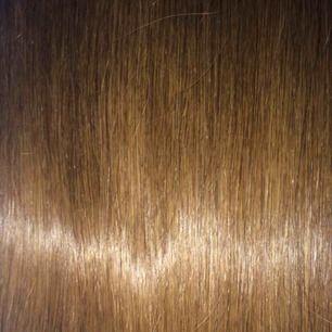 Bästa håret på marknaden!  Ren lyx! 55 cm långt! Från Bellami, det bästa av det bästa! En one piece clip-in hårförlängning, ger både volym och längd! Helt nytt! Butikspris är ca 4000:- Passa på att köpa sjukt billigt här!