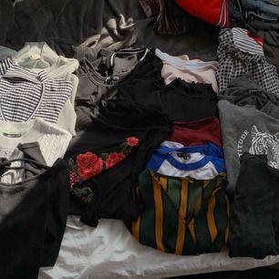 Alla tröjor 3 för 100 kr, om du ser något av intresse så skicka meddelande för bättre bild💕