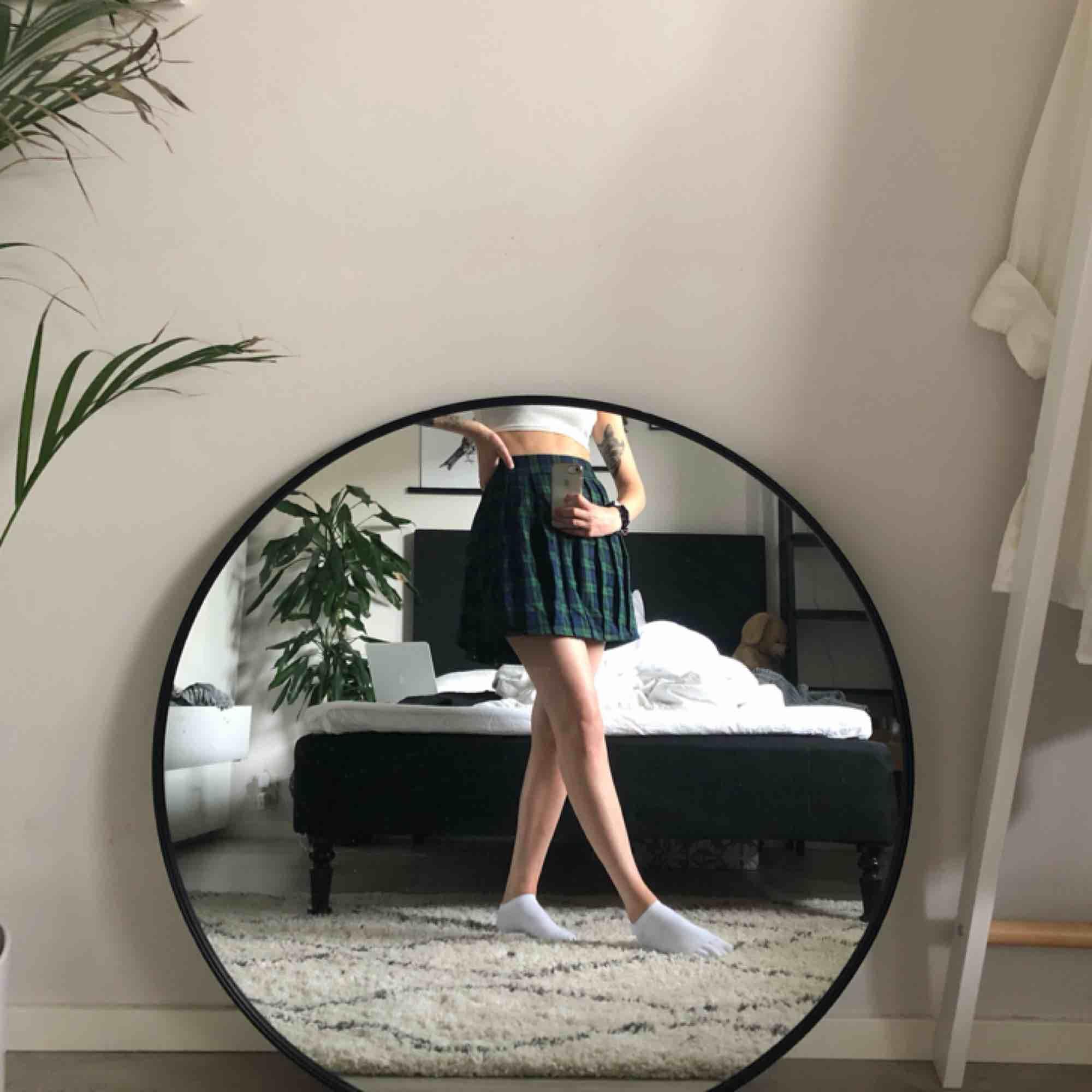Skolflicke-kjol från new yorker. Aldrig använd, lappen kvar. . Kjolar.