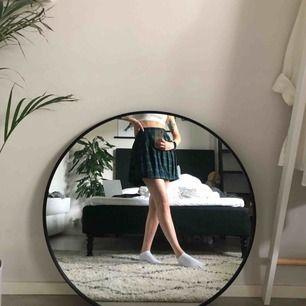 Skolflicke-kjol från new yorker. Aldrig använd, lappen kvar.