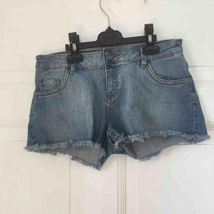 Jeans shorts strl34 från warp