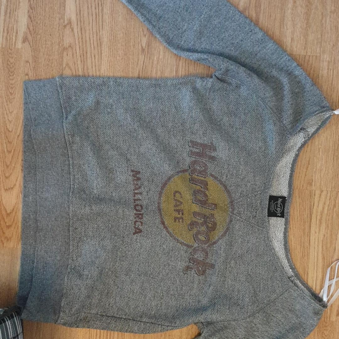 Hard Rock Café Mallorca sweater som är tunn.. Toppar.
