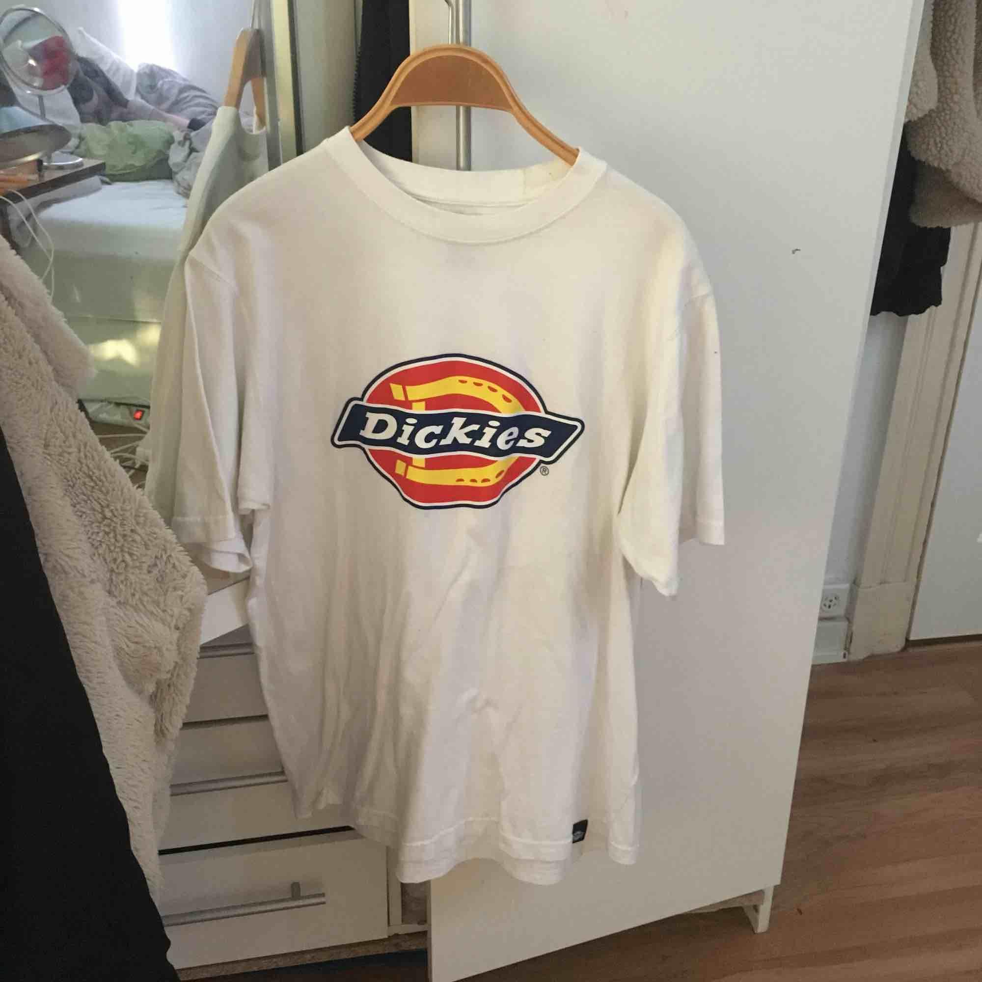 Dickies T-shirt storlek medium, fint skick.. T-shirts.