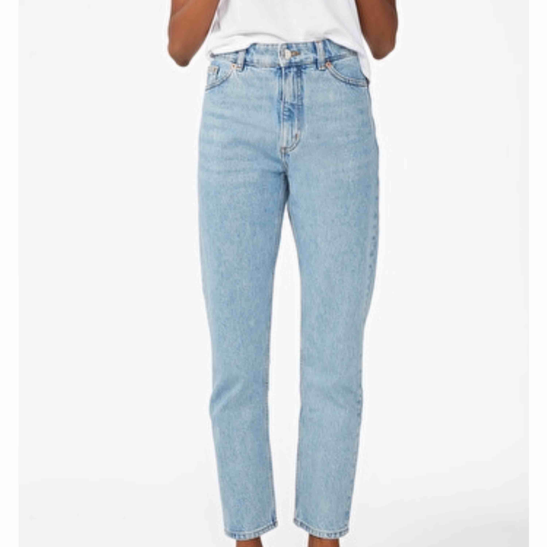 Monki-jeans i modellen Kimomo. Storlek 26!. Jeans & Byxor.
