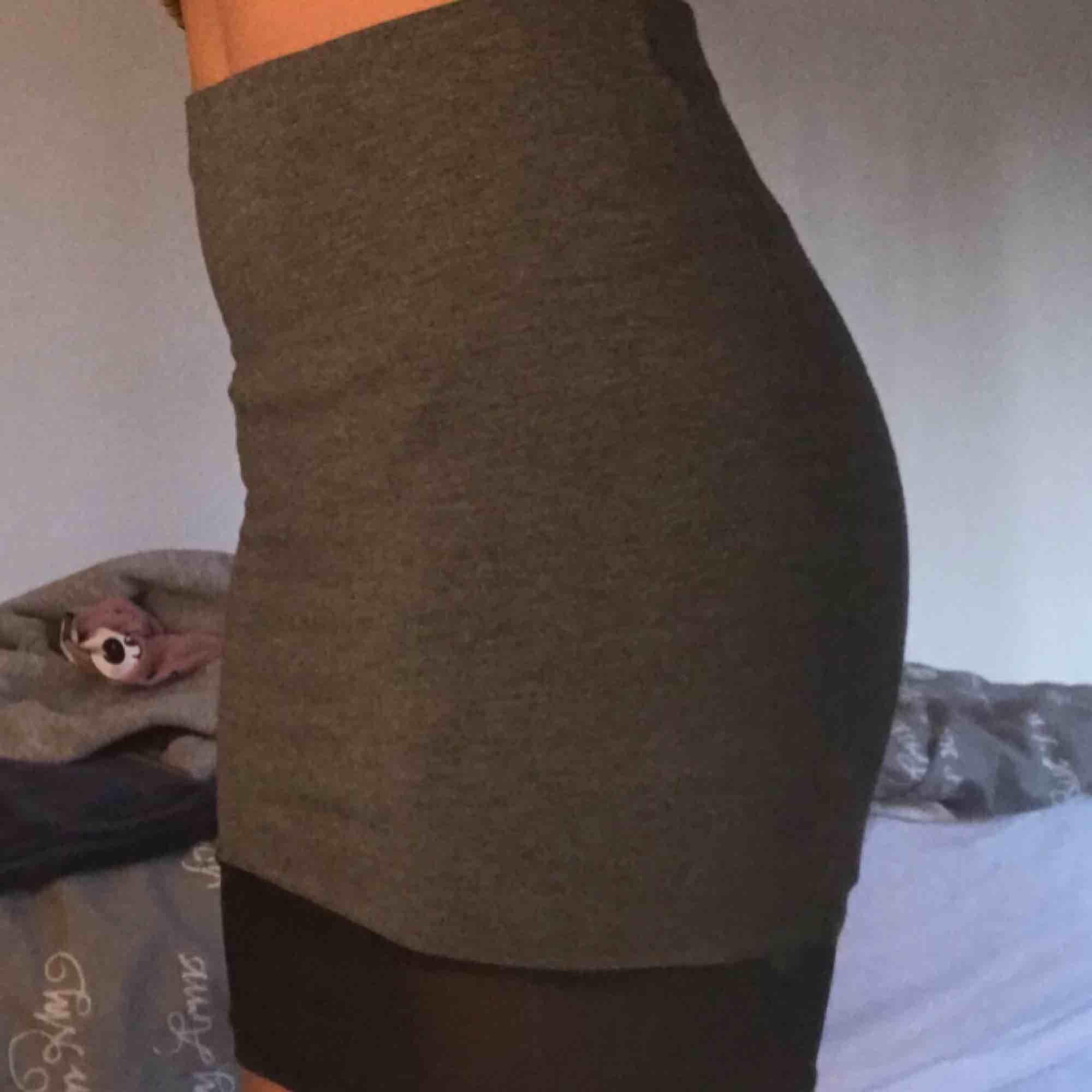 Superfin kjol från gina tricot säljer pga inte min stil . Övrigt.