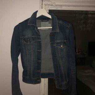 Blå jeansjacka från hm, jättefin