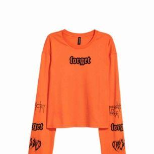 En forget tröja från hm typ helt ny ,säljs pågrund av för advänder aldrig den