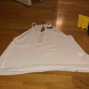 Vitt linne, aldrig använd -Betalning sker via swish & frakt tillkommer.