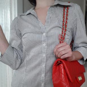 Tidlös skjorta