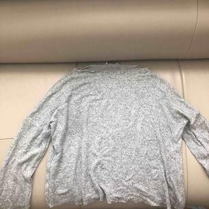 grå Stickad tröja,