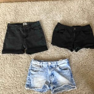 3 par jeansshorts, de från lager 157 var från början vanliga jeans men klippte av dem själv då jag hade flera likadana. Säljer pga de har blivit för små/korta. Köpare står för frakt.