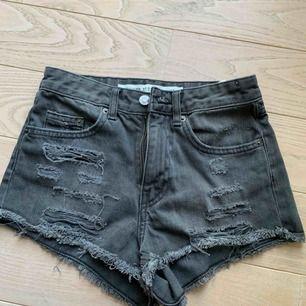 Snygga shorts från H&M, använda 2-3 gånger. Frakt 36kr