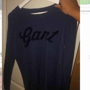 säljer denna Gant stickade långärmad
