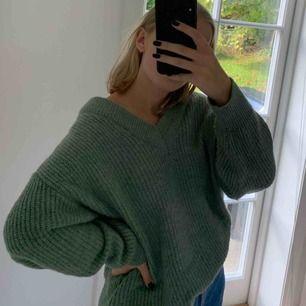 Superskön och varm stickad tröja från Gina tricot