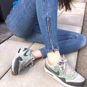 Slitna men snygga Nike Air sneakers Storlek 38 Pris kan diskuteras