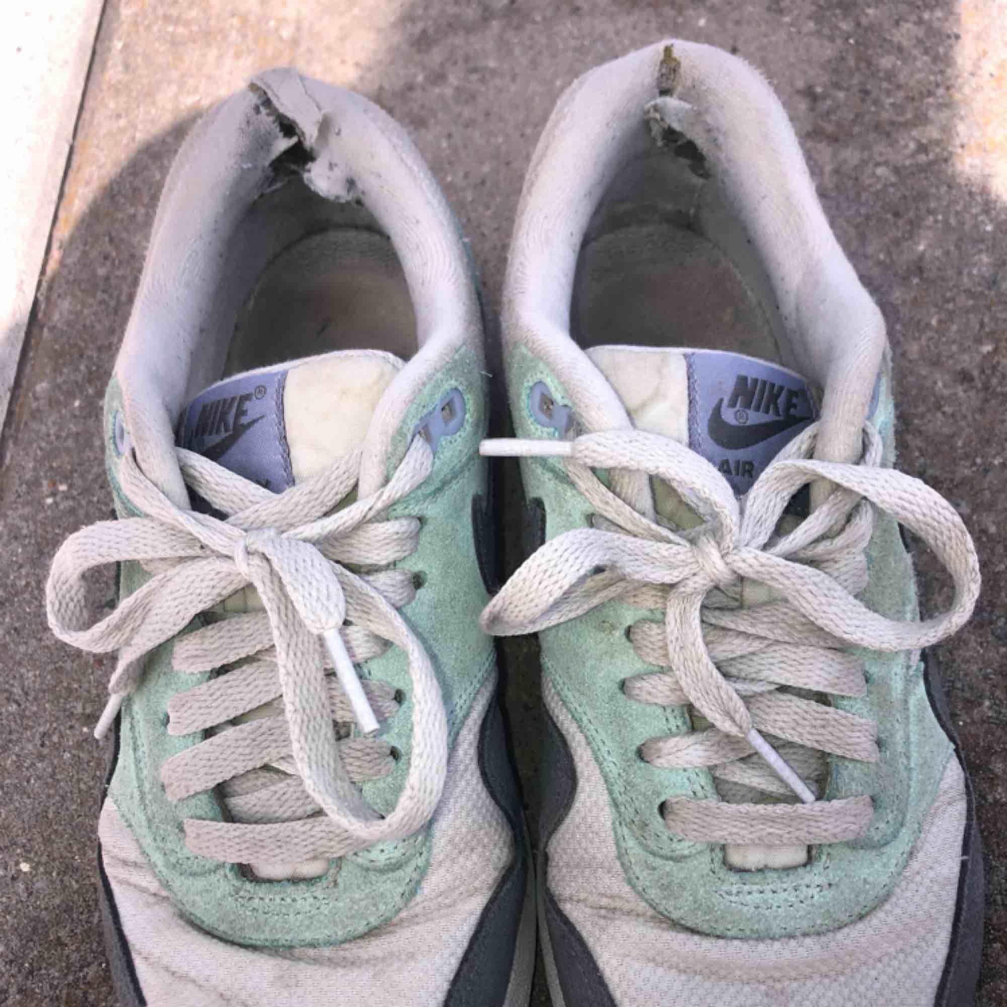Slitna men snygga Nike Air sneakers Storlek 38 Pris kan diskuteras. Skor.
