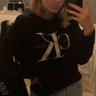 Calvin Klein jeans sweatshirt, köpt i LA på topshop för 1000kr 🦋 köparen står för frakt