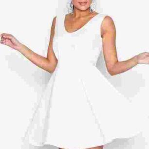 klänning från Nelly, helt oanvänd, frakt betalas av köparen💗