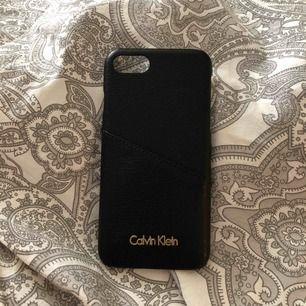 iPhone 8 skal, Calvin klein köpt för 300 kr, väldigt bra skick