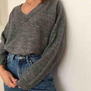Grå mysig tröja från H&M i storlek S/M!