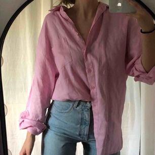 Rosa linneskjorta, vintage, superfint skick! Köparen står för frakt 40kr.